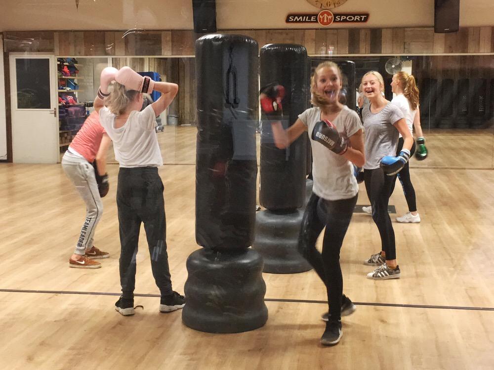 pubers-in-de-sportschool-smile-sport-haarlem