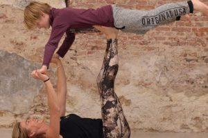 Workshop ouder & kind acrobatiek vr 1600*
